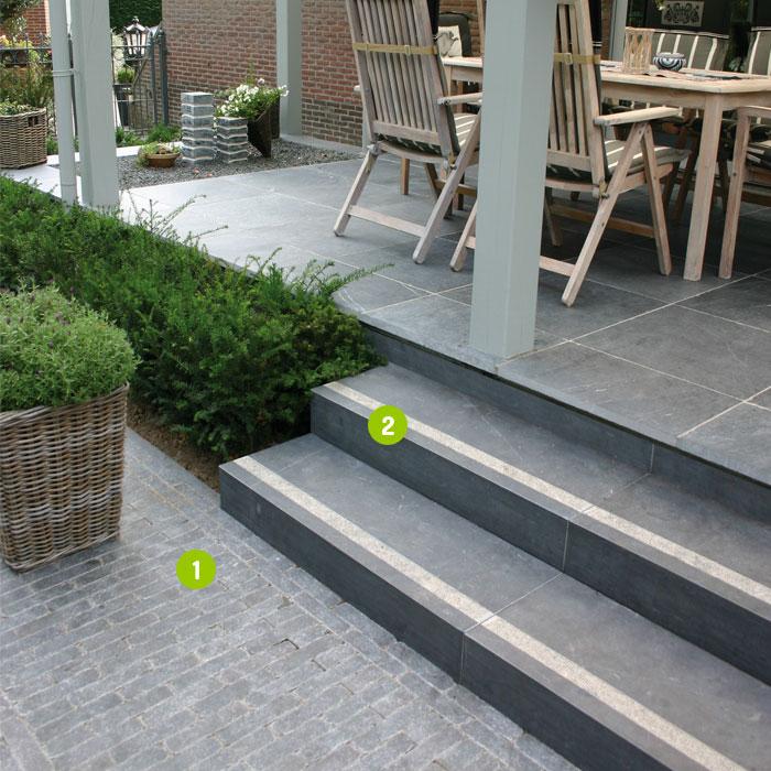 Escaliers dalles pav s opus parement palissades pas for Escalier paysager